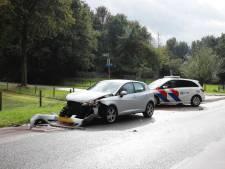Auto's botsen op Zwarteweg in Milsbeek