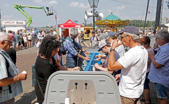 Het gratis drinkwater voorzag vooral op de hete zaterdag in een behoefte.