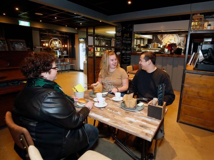 Restaria De Brabander in Amerongen: Tafelen in de snackbar is iets te weinig resta en teveel taria