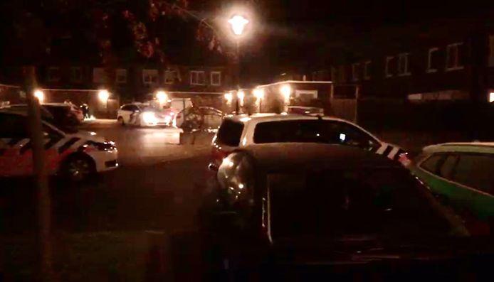 De Hungerstraat in de nacht zaterdag op vrijdag. Ook de brandweer rukte uit.