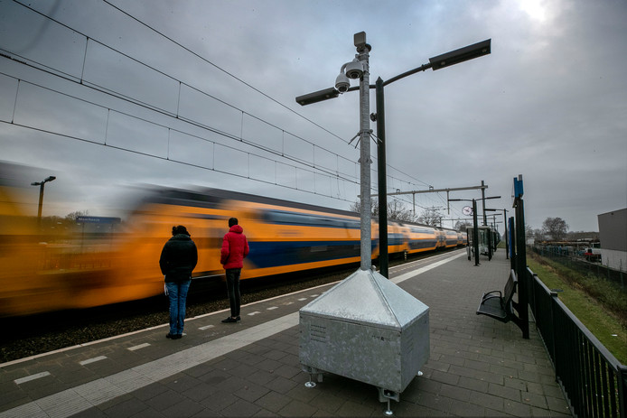 De camera op het station in Maarheeze.