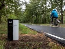 Vleermuisvriendelijk fietspad geopend tussen Helmond en Nuenen: geen lantaarns, wel reflectoren