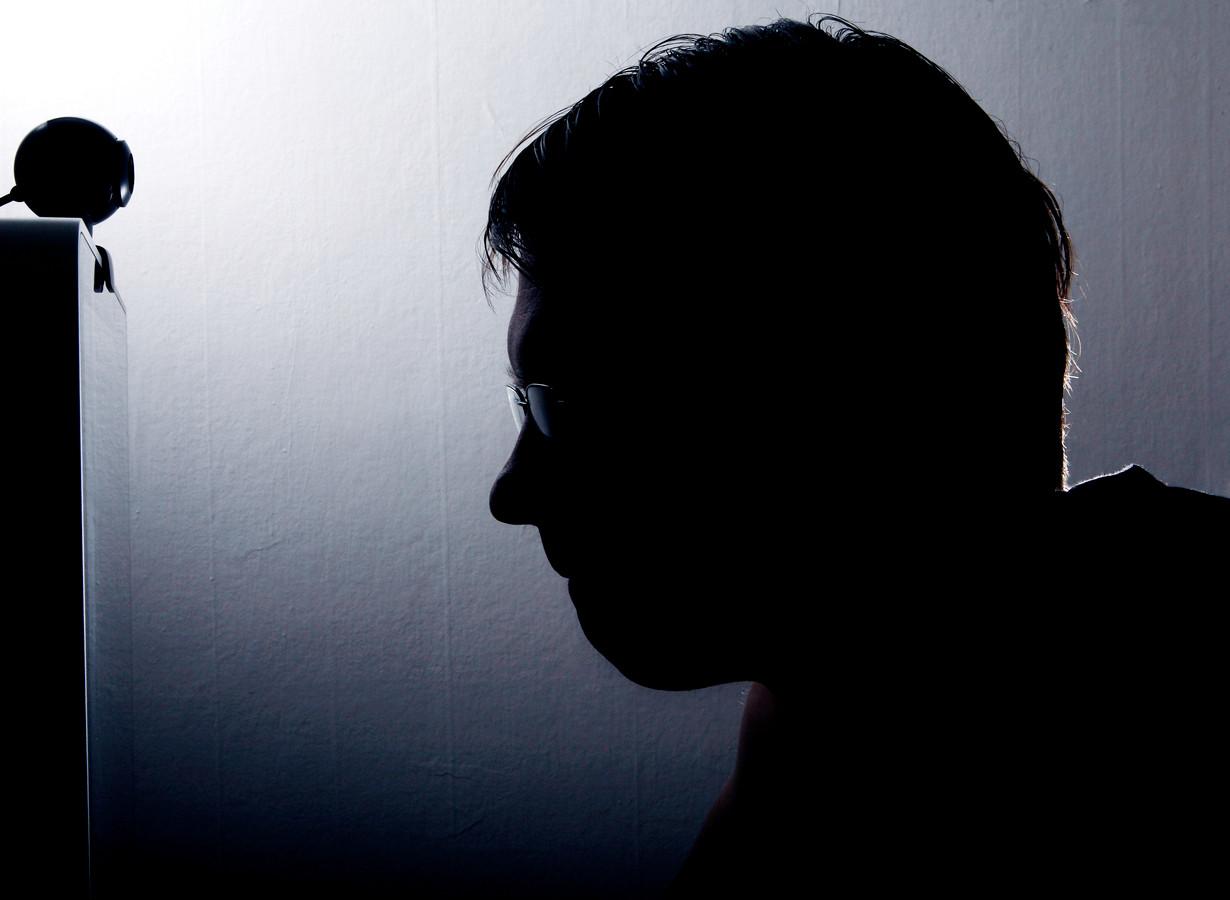 De man misbruikte zijn slachtoffers via internet.