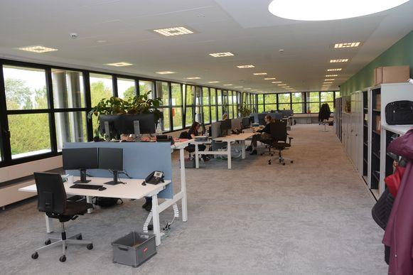Het Sociaal Huis zal net als de gemeentelijke administratie gebruik maken van flexibele werkplekken.