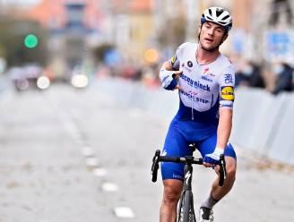 """Lampaert klieft door de wind naar zege in spektakelrijke Driedaagse Brugge-De Panne: """"Niet normaal hoe lastig het was"""""""