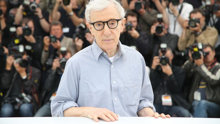 Woody Allen tijdens de opening van het filmfestival van Cannes. Zijn film Café Society is de openingsfilm. Beeld null