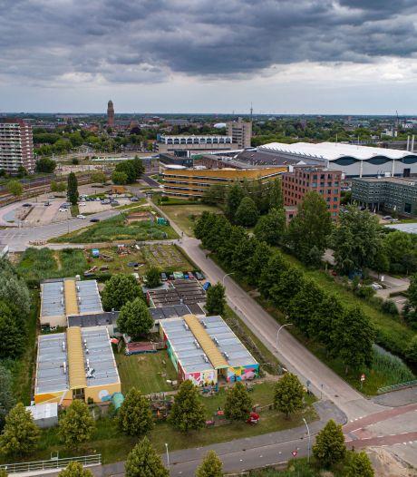 Ruiming van 'containerdorp' Kattegat uitgesteld, woongemeenschap blijft tussen kantoren van Hanzeland in Zwolle
