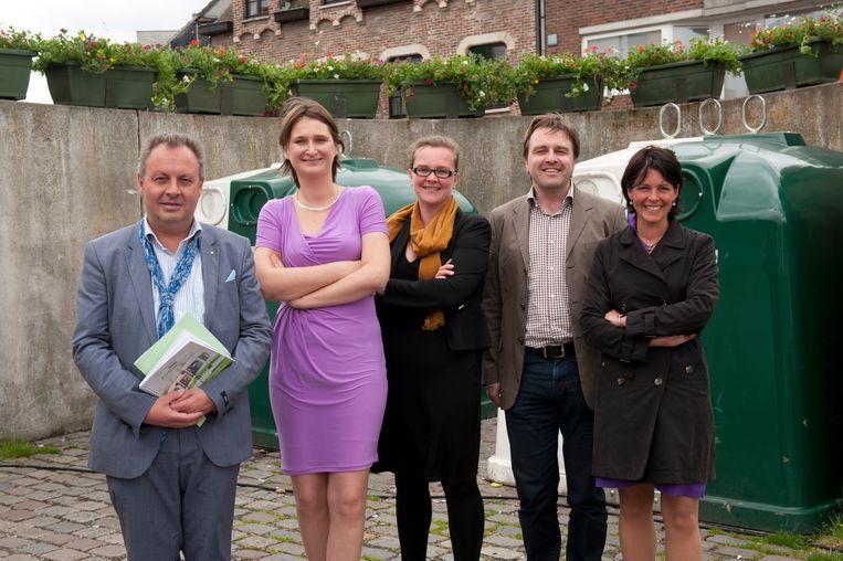 Directeur Kris Verwaeren, voorzitter Leentje Grillaert, ondervoorzitter Annelien Van Der Gucht, Bast Descamps en Sien Vermander bij de voorstelling van de de beleidsplannen enkele jaren geleden in Wetteren.