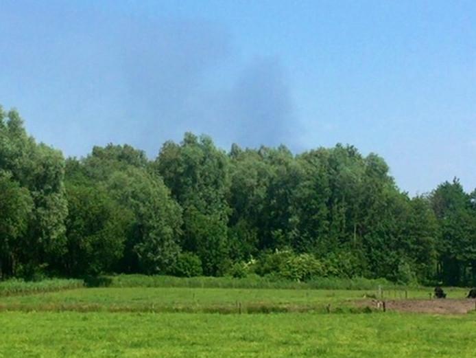 Vanuit Nuenen is de brand bij bedrijf Xycarb Ceramics in Helmond goed te zien