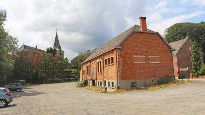 Leerlingen van basisschool De Klimming wijken uit naar parochiezaal