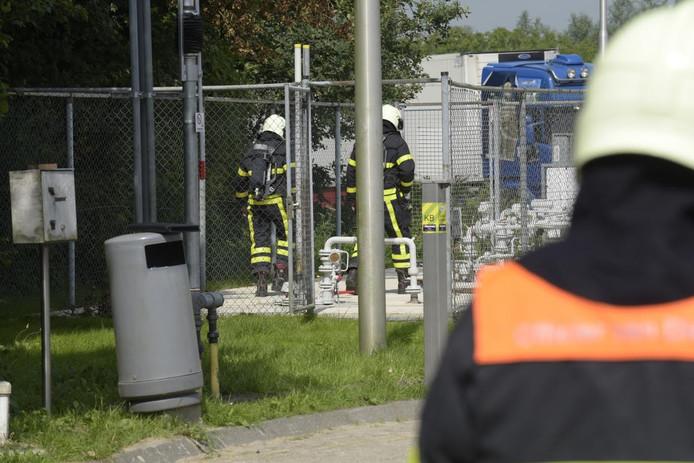 De brandweer is met meerdere voertuigen uitgerukt.