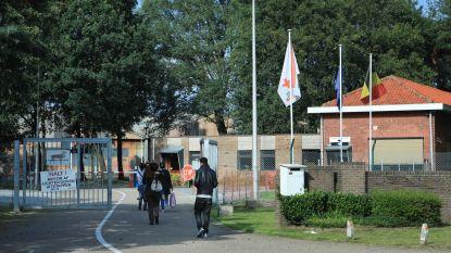 """Corona-uitbraak in asielcentrum Houthalen-Helchteren: """"Het centrum blijft open"""""""