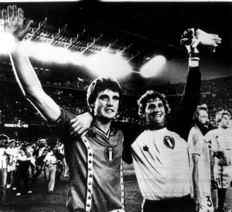In de openingsmatch van het WK klopt België wereldkampioen Argentinië met 1-0 dankzij een doelpunt van Erwin Vandenbergh.