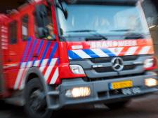 Brand tussen dakplaten in schuur op Hagesteinse Lekdijk