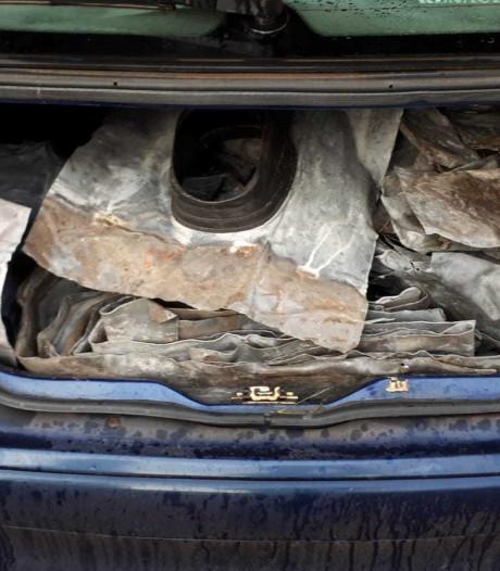Twee verdachten aangehouden met daklood in auto