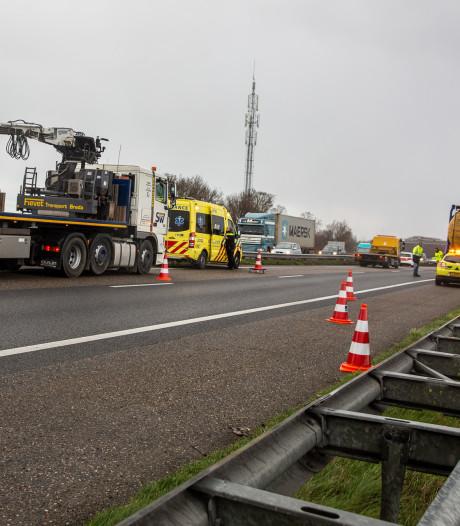 Ongeluk met tankauto op A58 bij Roosendaal, weg weer vrij