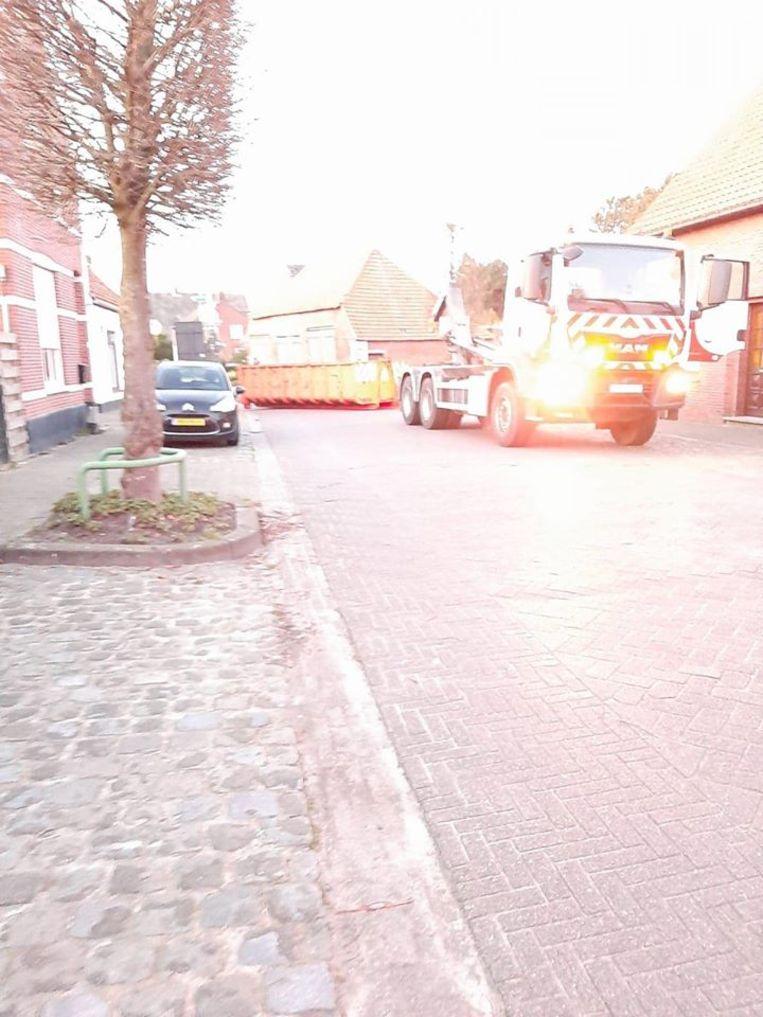 De politie Noorderkempen controleert de grote invalswegen en heeft samen met de stad containers laten plaatsen op de kleine wegen. Ook in Meersel-Dreef is een container geplaatst.