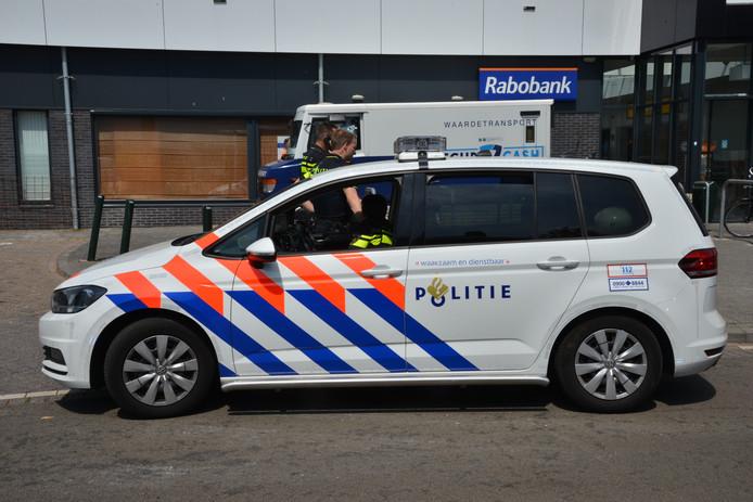 In Breda staat donderdagmiddag een geldwagen vast.