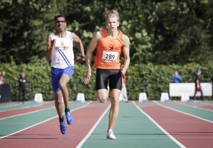 Daan Lubberdink tijdens de finale van de 100 meter Sprint voor Junioren B op de NK Atletiek junioren bij Sprint in Breda. Foto Joyce van Belkom/Pix4Profs