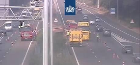 Ongeluk met vrachtwagen op A58 bij Best, file in beide richtingen
