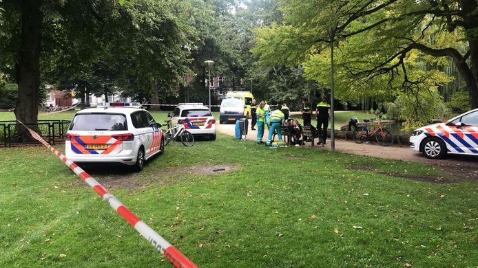 De politie doet onderzoek na een steekincident vorig jaar in het Wilhelminapark in Tilburg.