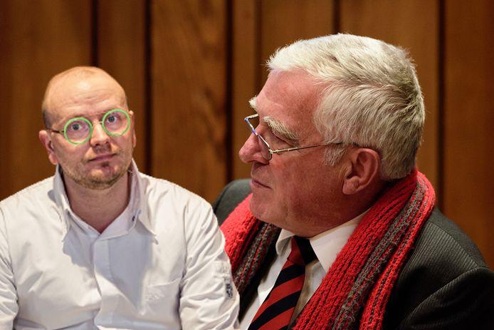 BPA-raadslid Hans van Wegen (rechts) dreigt met juridische stappen tegen Maarten van der Heide van restaurant Rauw.