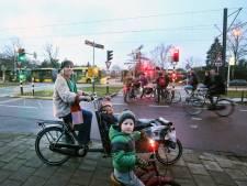 Bewoners Rijnsweerd zijn bang voor ongelukken op kruispunt met Uithoflijn