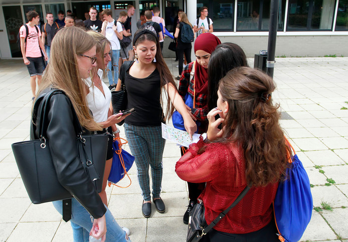 De gemeenteraad wil de studenten van de Associate Degree Academie na hun studie het liefst in Roosendaal houden.