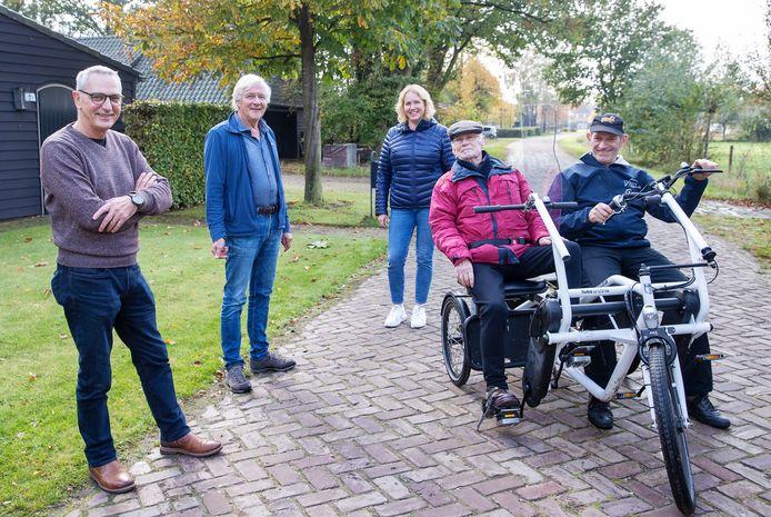 V.l.n.r.: Jack Spanbroek, Sander van Dooren, Carolien Manders, Piet Jansen en Jan Habraken.
