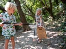 Louise en William helpen Domburg schoonhouden: vooral in de bosjes ligt troep