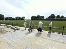 Nepgras verdringt de klei op voetbalvelden