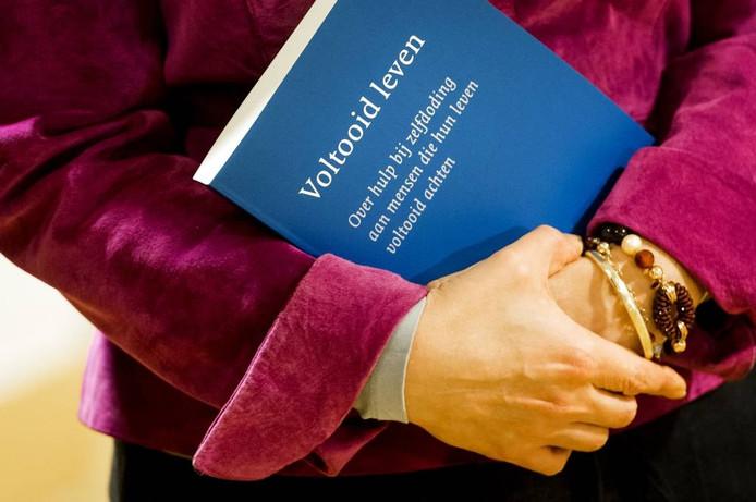 Een commissie van wijzen schreef een advies over 'Voltooid leven' voor de regering. foto Koen van Weel/ANP