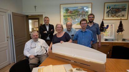 Gemeente krijgt schenking van unieke kaarten en foto's