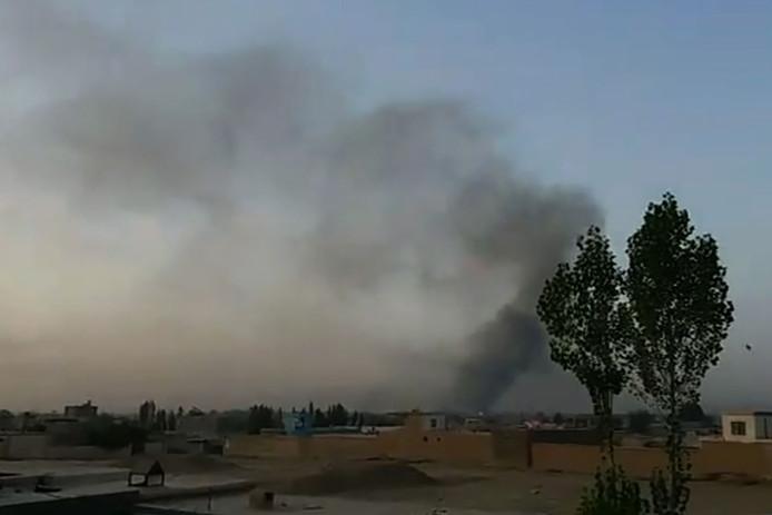 De aanval van de Taliban heeft vermoedelijk tientallen militairen en agenten om het leven gebracht.