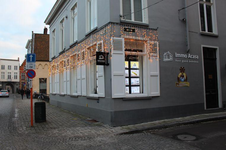 Immo Acasa op de hoek van de Ezelstraat en de Oude Zak.