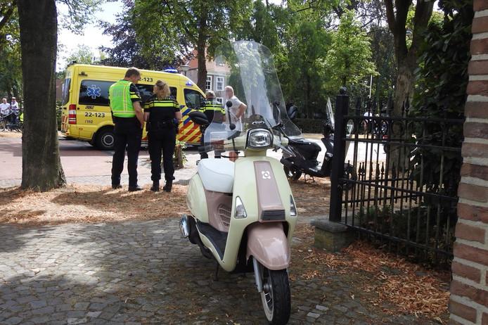 Scooterrijdster gewond bij Het Hof in Bergeijk.