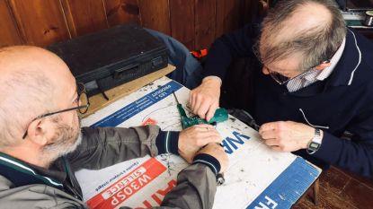 Repair Café in Levi's Burger: vrijwilligers herstellen defecte spullen terwijl je wacht