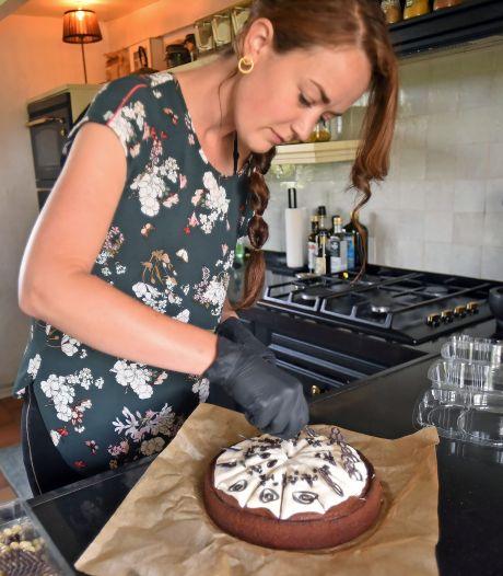 Eén stukje taart om te smullen? Geen punt, Anke uit Terhole brengt het zelf op de fiets
