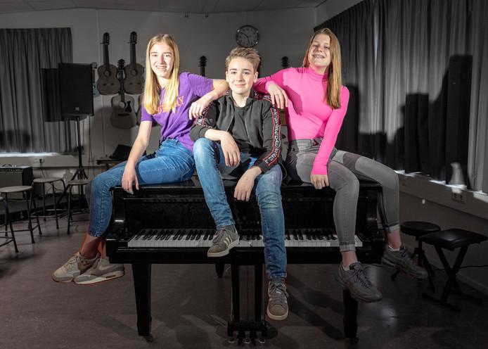 Noa Douwes, Sam Serlier en Britte Zwart (v.l.n.r), deelnemers aan 'The  Voice Kids'.