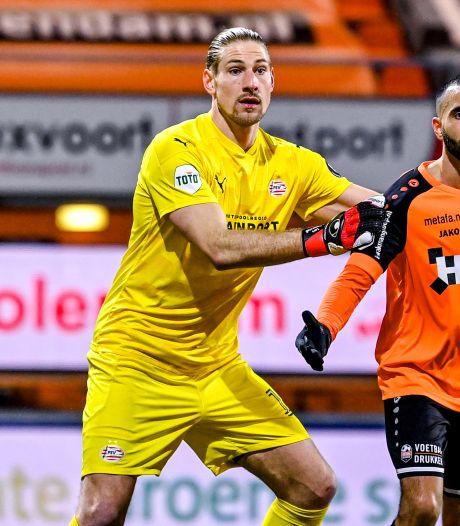 Lars Unnerstall toont zich de ploegmakker die elke voetballer zich wenst: 'Ik steun Yvon'