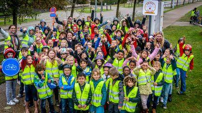 Leerlingen August Vermeylenschool maken verkeersspel