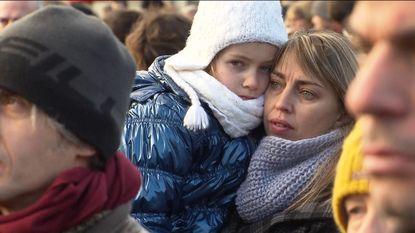 Mensen herdenken 'volksheld' De Vos