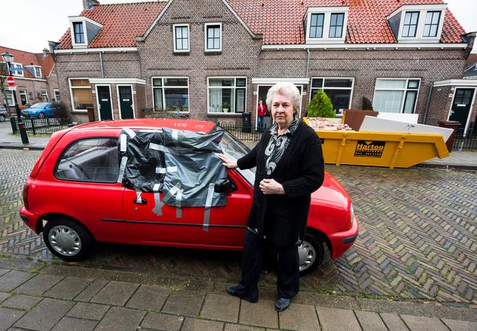 Bewoonster Stegeman uit de Galvanistraat werd slachtoffer van de Pegida-rellen in Zuilen.