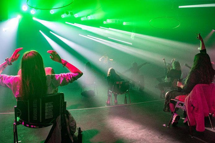 Poppodium Doornroosje houdt voorlopig concerten met zitplaatsen.
