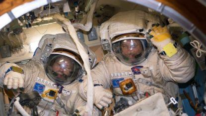 Russen maken hun langste ruimtewandeling ooit. Resultaat: antenne staat in verkeerde richting