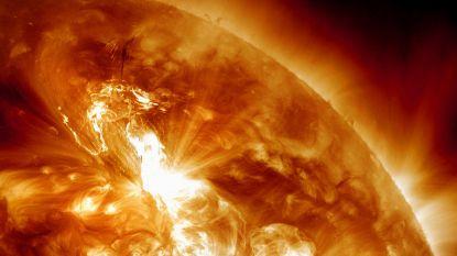 """Wetenschappers vinden sporen van krachtigste zonnestorm ooit: """"Nieuwe uitbarsting kan moderne technologie helemaal verstoren"""""""