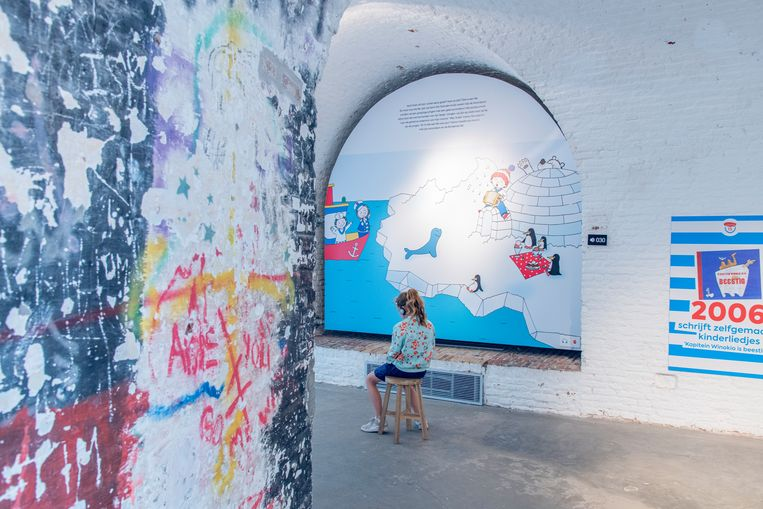 In de gangen van het Fort Napoleon is het lekker koel en je kan de expo rond Kapitein winokio bezoeken