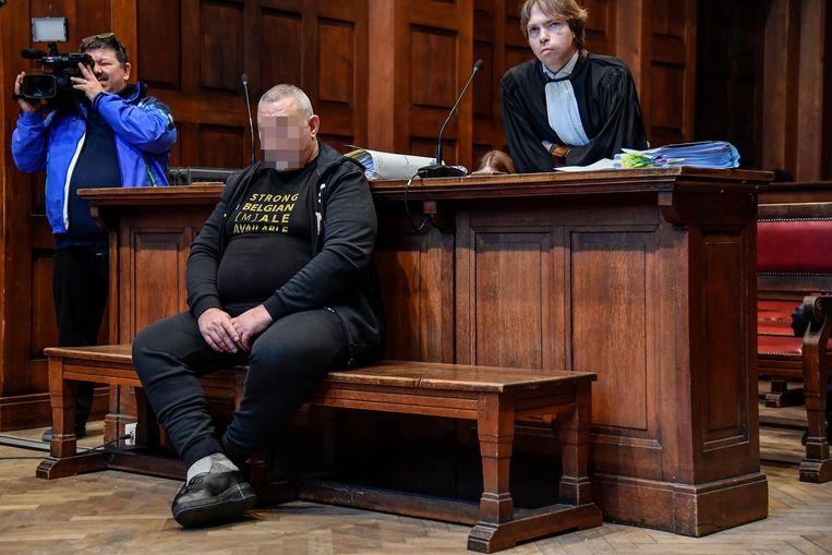 Rudy V. werd in de rechtbank bijgestaan door Bart Van Baeveghem. V. riskeert een celstraf van 24 jaar.