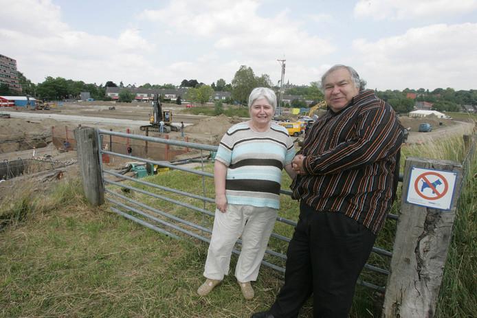 Jans en Henk Blankestijn op de Grebbedijk in 2008.