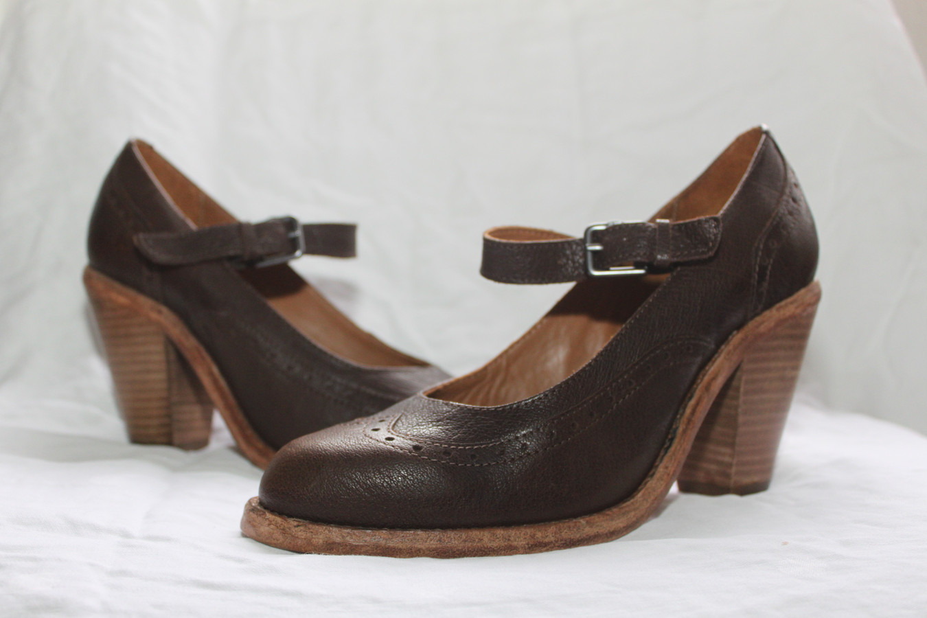 Een paar schoenen van Fred de la Bretoniere.